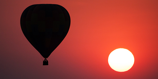 Ballooning at Sunset - Safari Cost Comparison | Luxury African Safari Tours | Classic Africa
