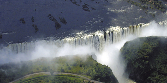 Victoria Falls - Best Time to Travel - Natural Wonders | Luxury African Safari Tours | Classic Africa