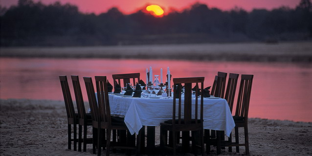 Open-air safari dinner - Weather | Southern African Safaris | Classic Africa