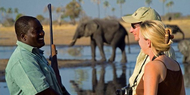 Zimbabwe Safari Tours - On Safari with Guide
